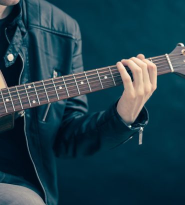 Why Don't Experts Want You Knowing About These Learning Guitar Tips?